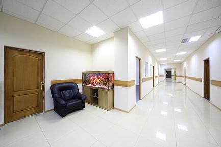 Светодиодное освещение офисного коридора